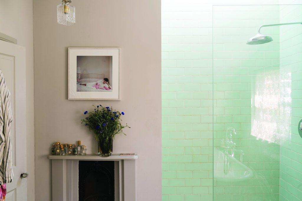 fnb_0000_Shower room Peignoir 286 Modern Emulsion